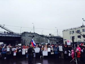 Ипотечные валютные заемщики вышли на улицы в 20 городах России